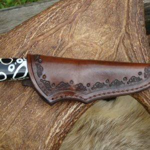 ALLIGATOR TOOTH HANDLE DAMASCUS BLADE HUNTER WITH FILE WORK